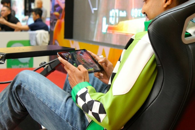 JJ behind the wheel at the WeChat Speed All-Star Race Finals